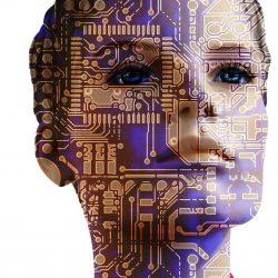 Mujer con circuitos impresos